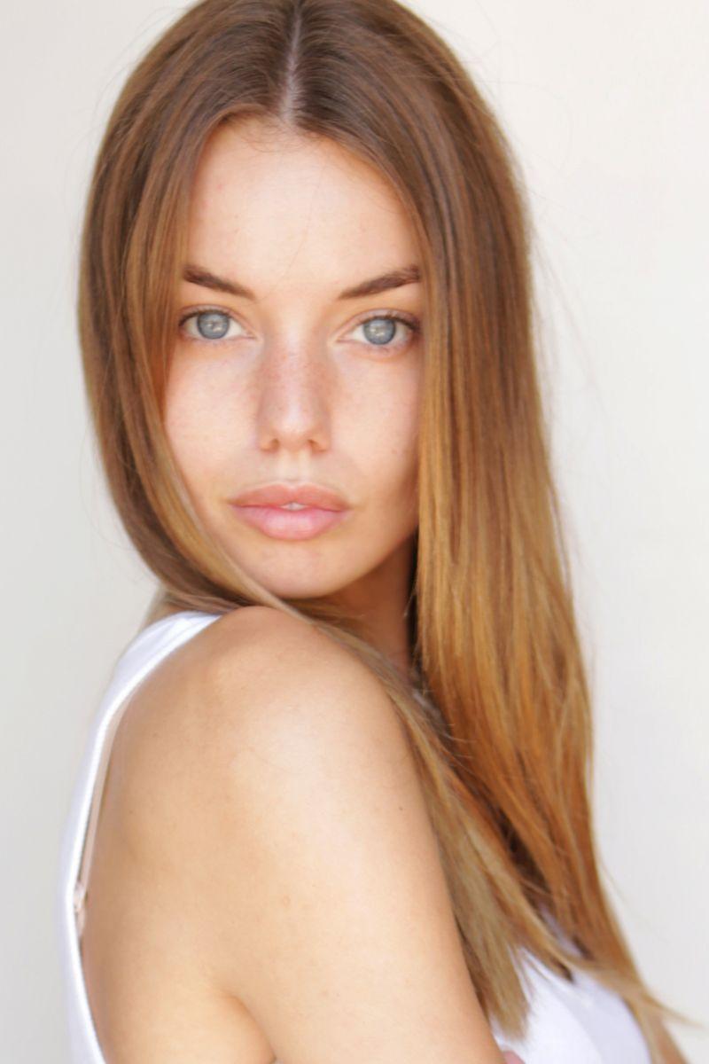 Annie Ericson Nude Photos 14