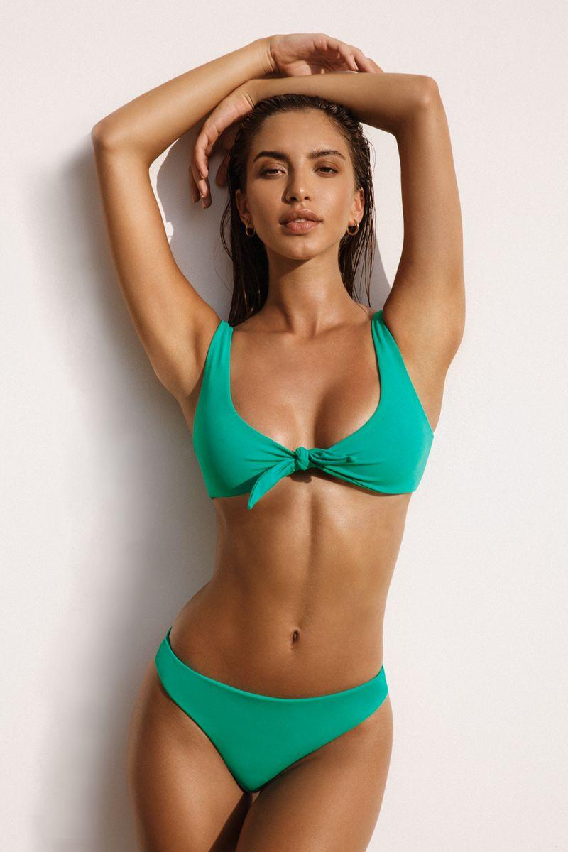 Balistarz-model-Sasha-Apostoliluc-Green-Bikini-Knot-Angelilc
