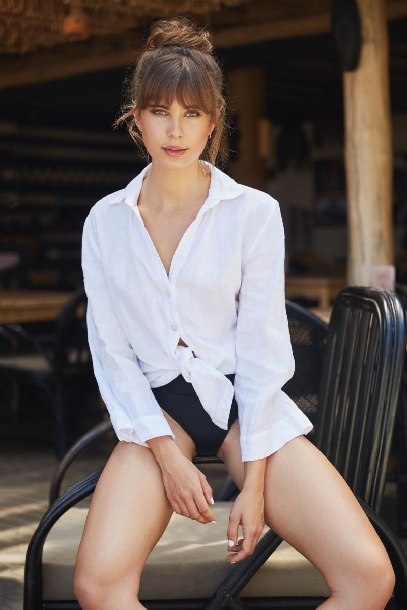 Balistarz-model-Jacqueline-Graba-beach-style