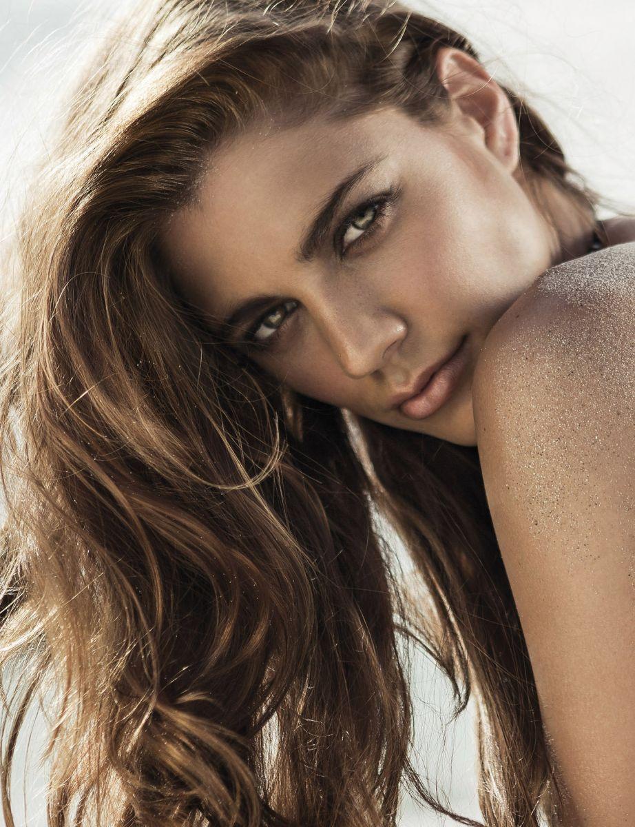 Balistarz-model-Jo-Marie-headshot-profile