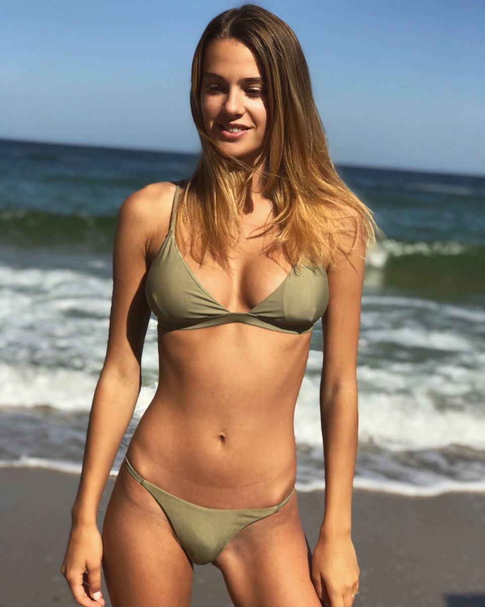 Balistarz-model-Maria-Zaitseva-bikini-shoot-at-the-beach