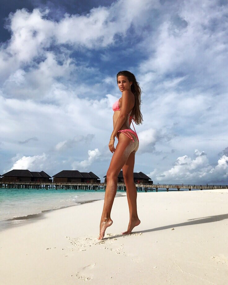 Balistarz-model-Maria-Zaitseva-pink-bikini-shoot-at-the-beach