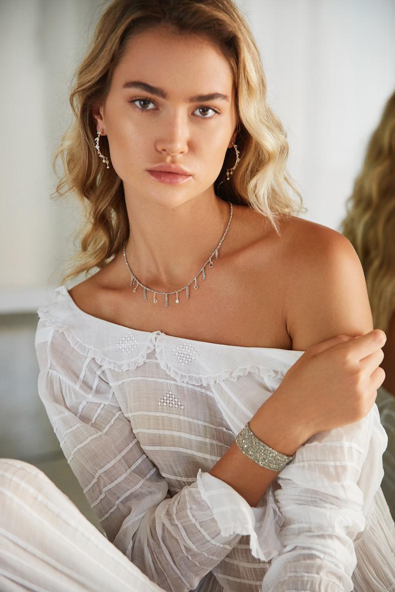 Balistarz-model-Balistarz-model-Alena-Samoshkina-portrait-shoot-in-a-white-top-and-jewellery