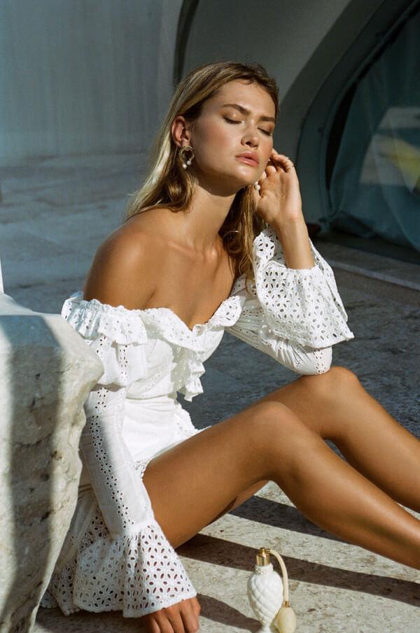 Balistarz-model-Alena-Samoshkina-portrait-shoot-in-a-Zuri-off-shoulder-dress