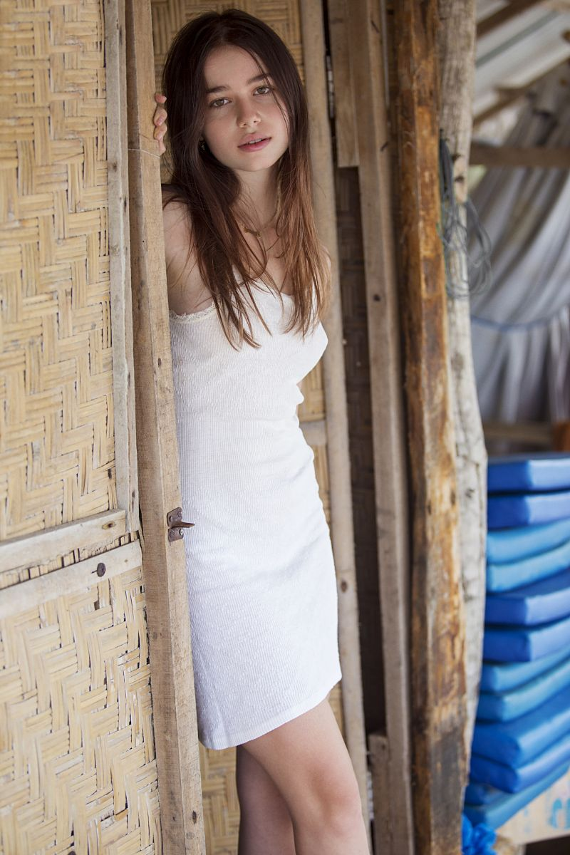 Balistarz-model-Anais-Chang-natural-look-portrait-standing-at-the-door