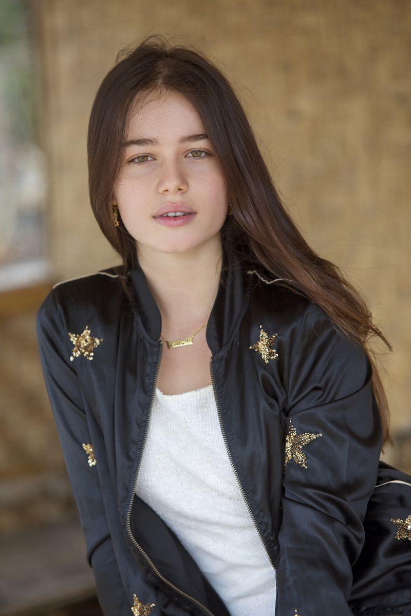 Balistarz-model-Anais-Chang-portrait-image-portfolio