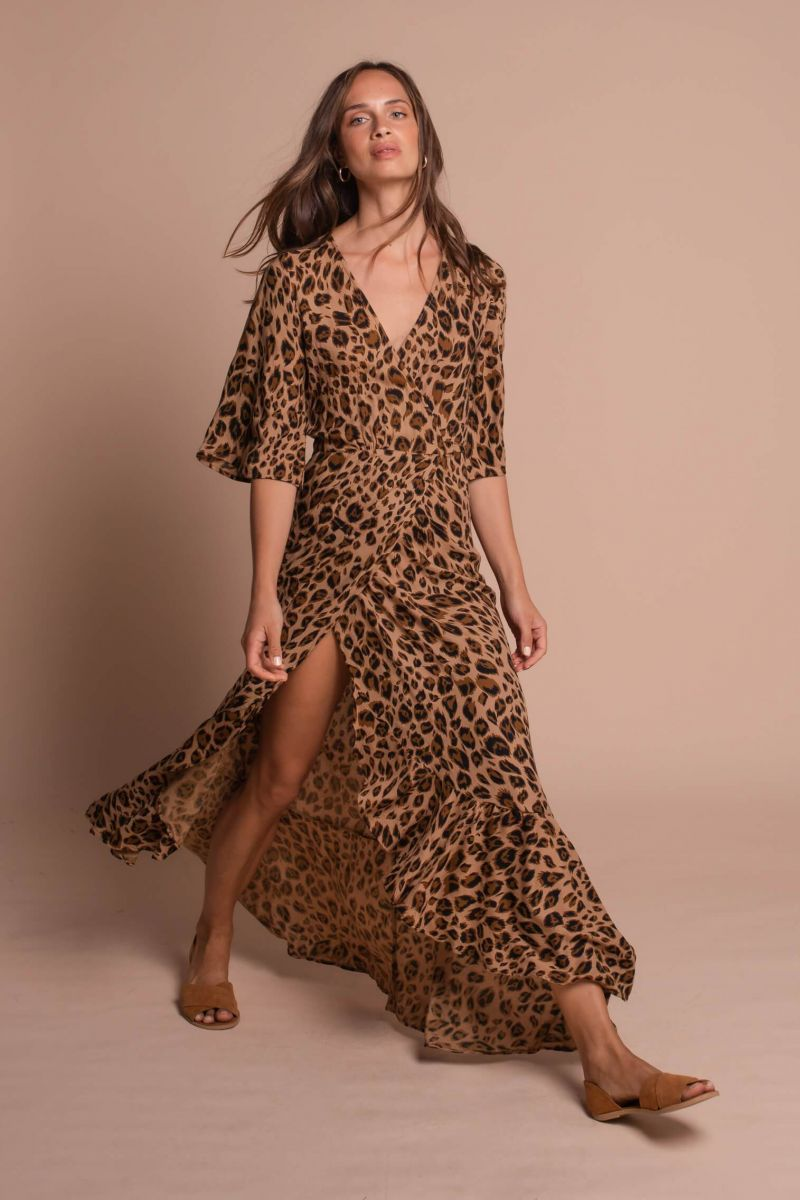 Balistarz-model-Anastasia-Yakhnina-portrait-shoot-for-Uma-and-Leopold-in-a-Emily-Wrap-Dress