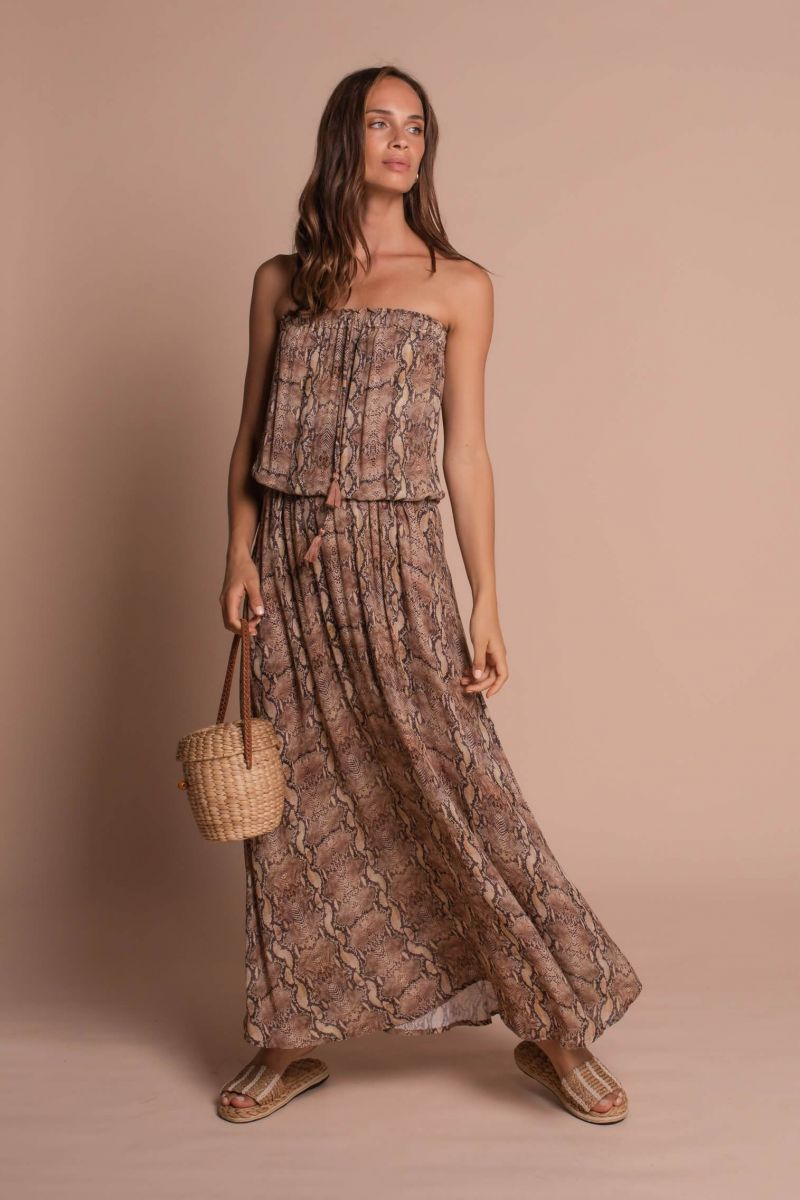 Balistarz-model-Anastasoa-Yakhnina-portrait-shoot-for-Uma-and-Leopold-in-Strapless-Maxi-Dress