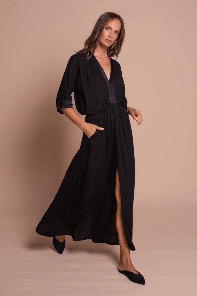 Balistarz-model-Anastasia-Yakhnina-portrait-shoot-for-Uma-and-Leopold-Uma-Maxi-Kaftan-Black