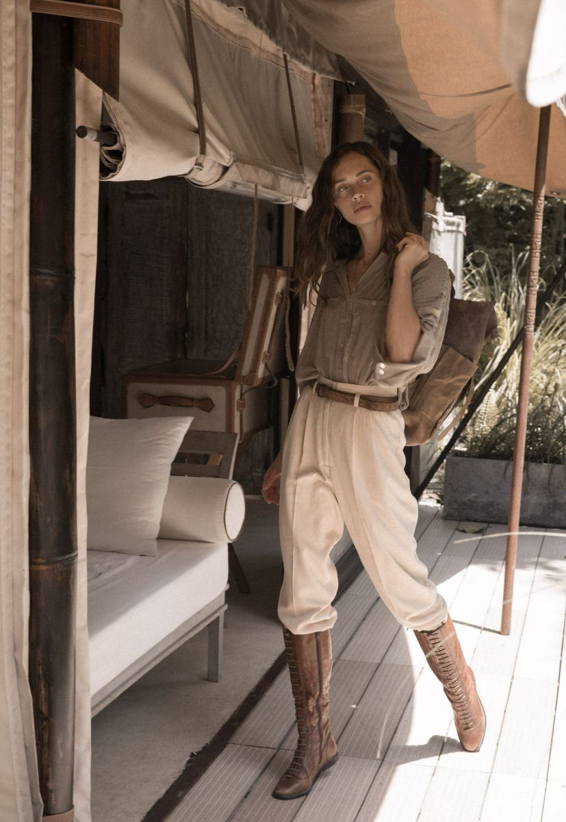 Balistarz-model-Anastasia-Yakhnina-portrait-shoot-in-a-travelling-outfit