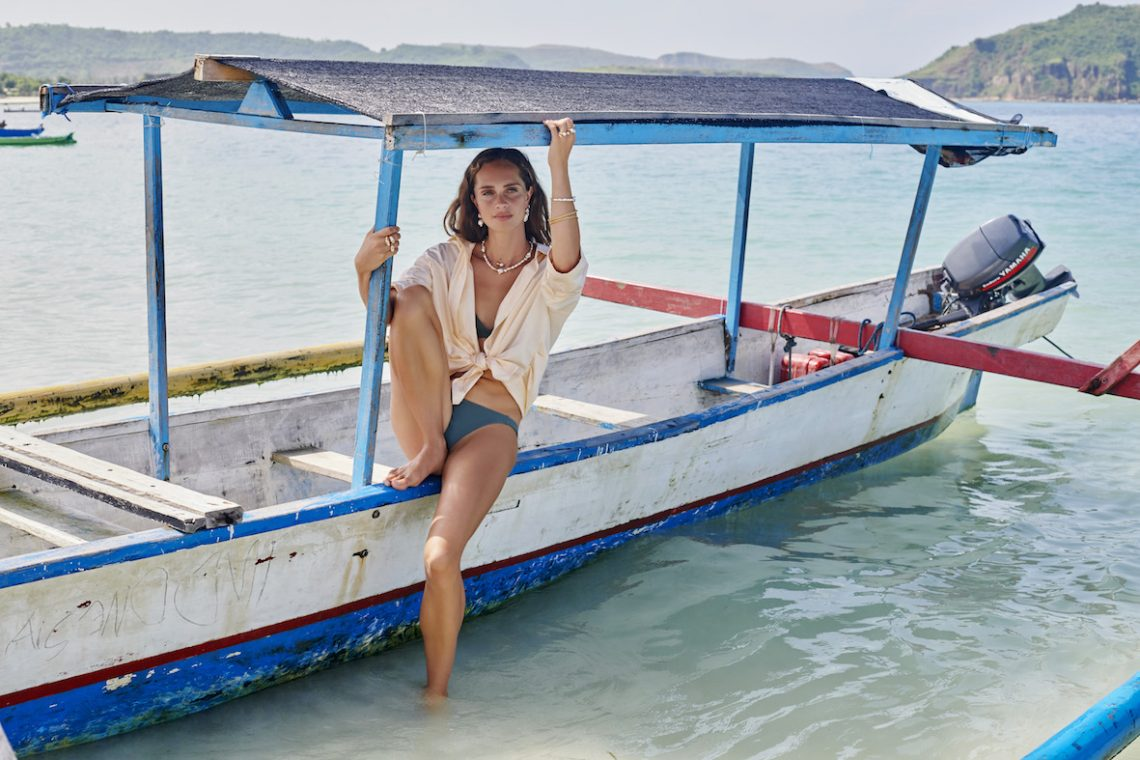 Balistarz-model-Anastasia-Yakhnina-landscape-beach-shoot-for-Fairley-on-a-boat