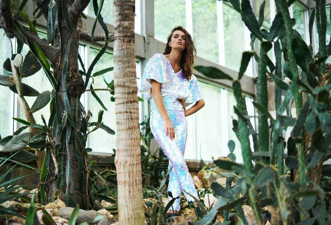 Balistarz-model-Anastasia-Yakhnina-landscape-shoot-for-Rosa-Bloom-Florence-Sequin-top-indus-leggings-with-cactus