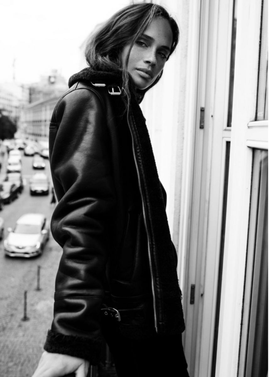 Balistarz-model-Anastasia-Yakhnina-portrait-black-and-white-shoot-on-a-balcony-with-a-leather-jacket