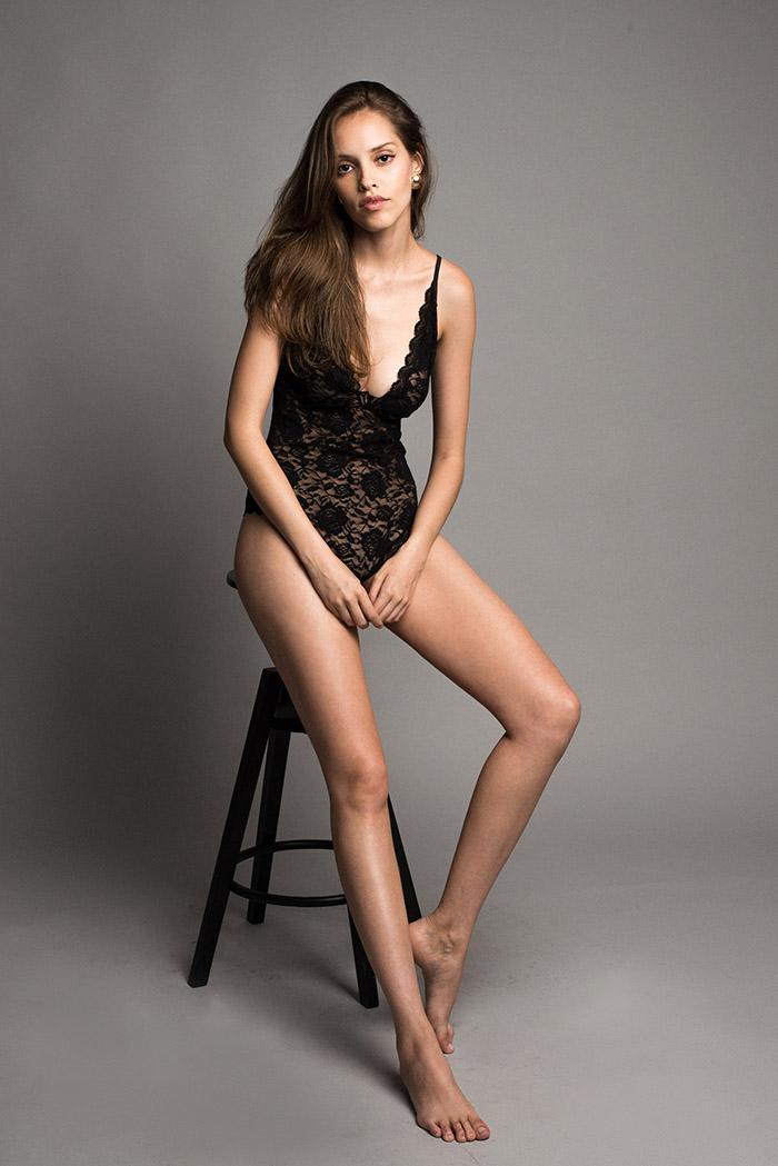 Balistarz-model-Anni-Barros-in-black-sleepwear-after-a-nap-shot