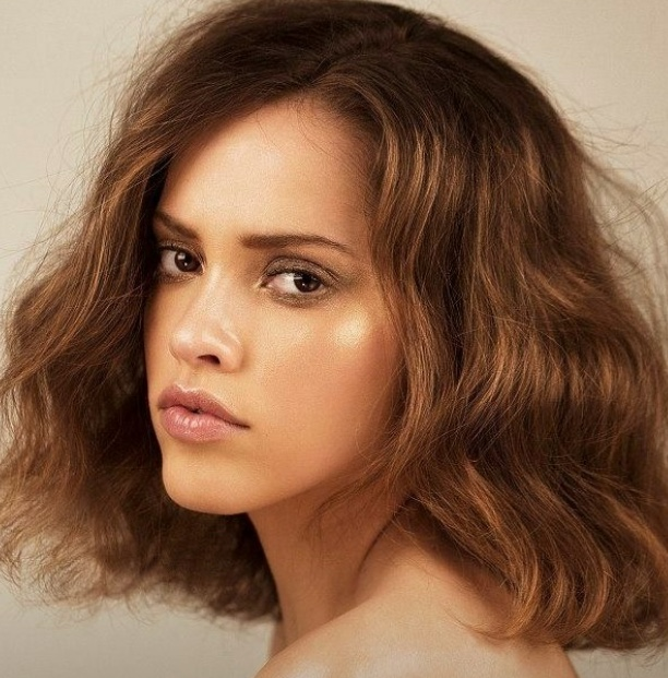 Balistarz-model-Anni-Barros-gorgeous-headshot-facing-sideways
