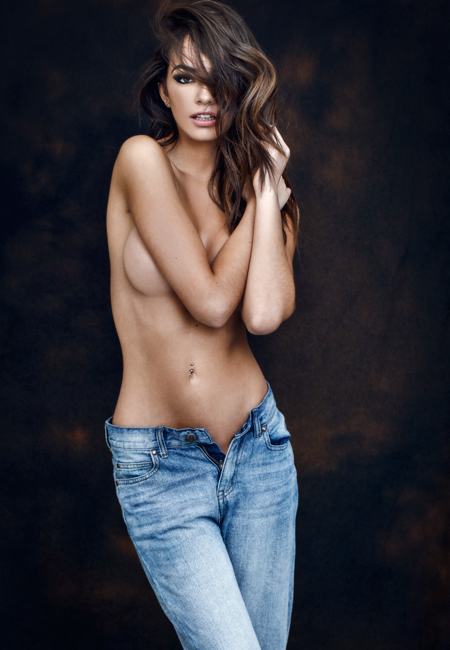 Balistarz-model-Arielle-Panta-shoot-holding-her-hair-and-shoulder-in-blue-jeans-silky