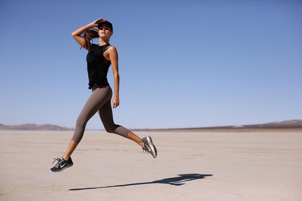 Balistarz-model-Brielle-Birkholm-canvas-shoot-in-desert