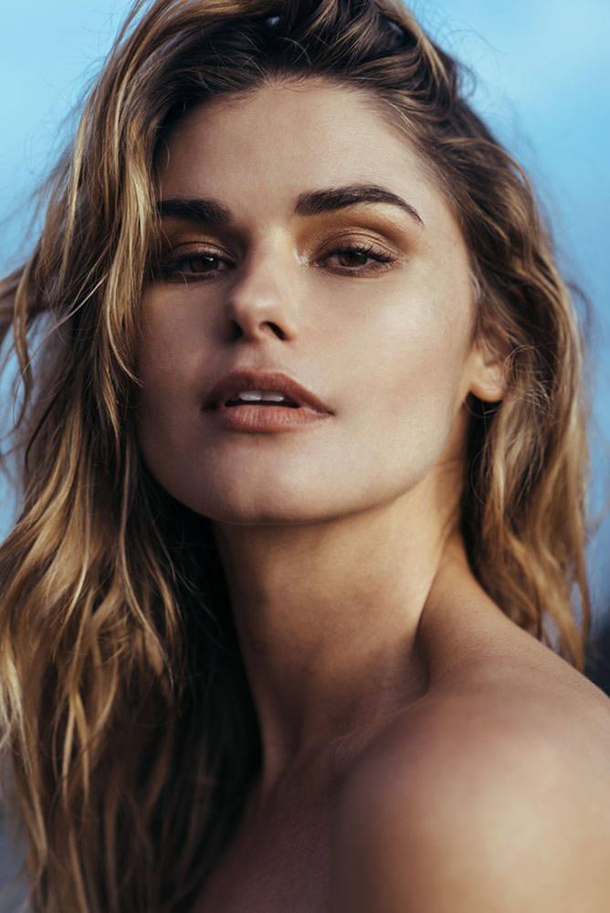 Balistarz-model-Brielle-Birkholm-headshot-casual-portrait-shoot
