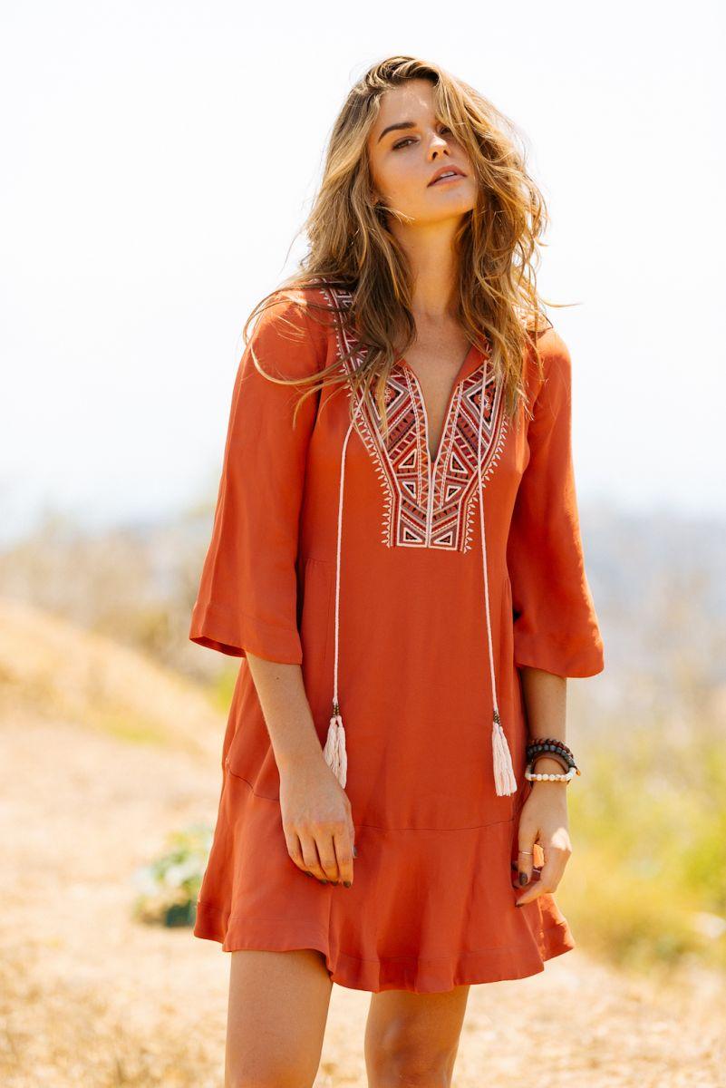 Balistarz-model-Brielle-Birkholm-outdoor-portrait-shoot-orange-dress-heated