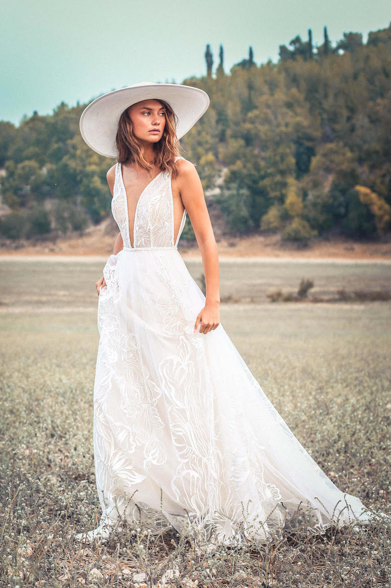 Balistarz-model-Brigita-Maldutyte-portrait-shoot-in-a-beautiful-white-dress-on-a-field-for-Rish-Bridal
