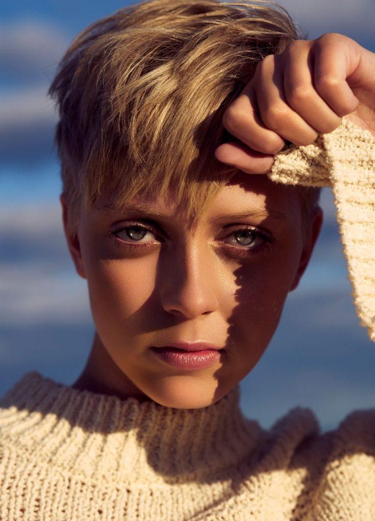 Balistarz-model-Brodie-Halford-beauty-headshot-profile-short-hair