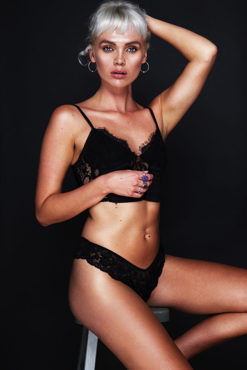 Balistarz-model-Chloe-Bell-portrait-shoot-in-black-lingerie-with-rings.