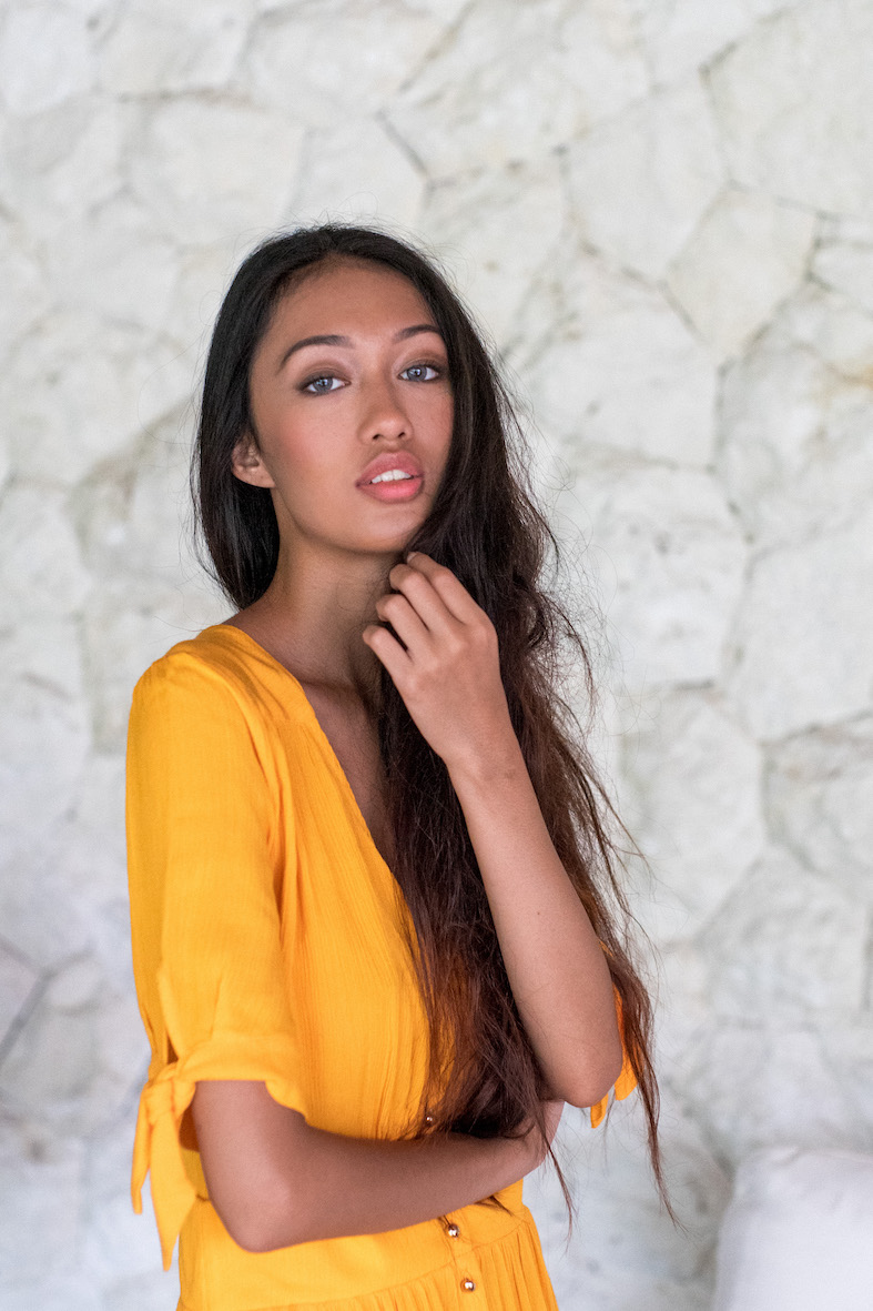 Balistarz-model-Claudia-Maretha-in-a-yellow-dress-sunflower