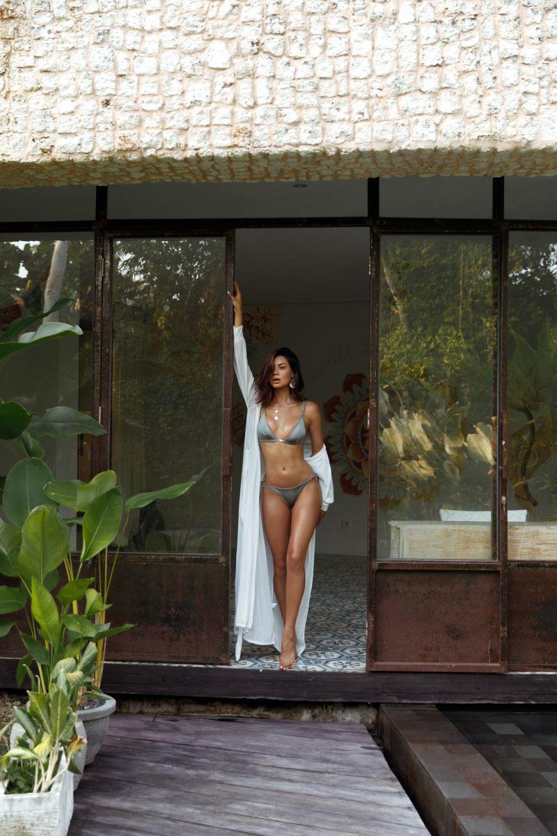 Balistarz-model-Eileen-Cassidy-standing-at-the-doorway-in-bikinis