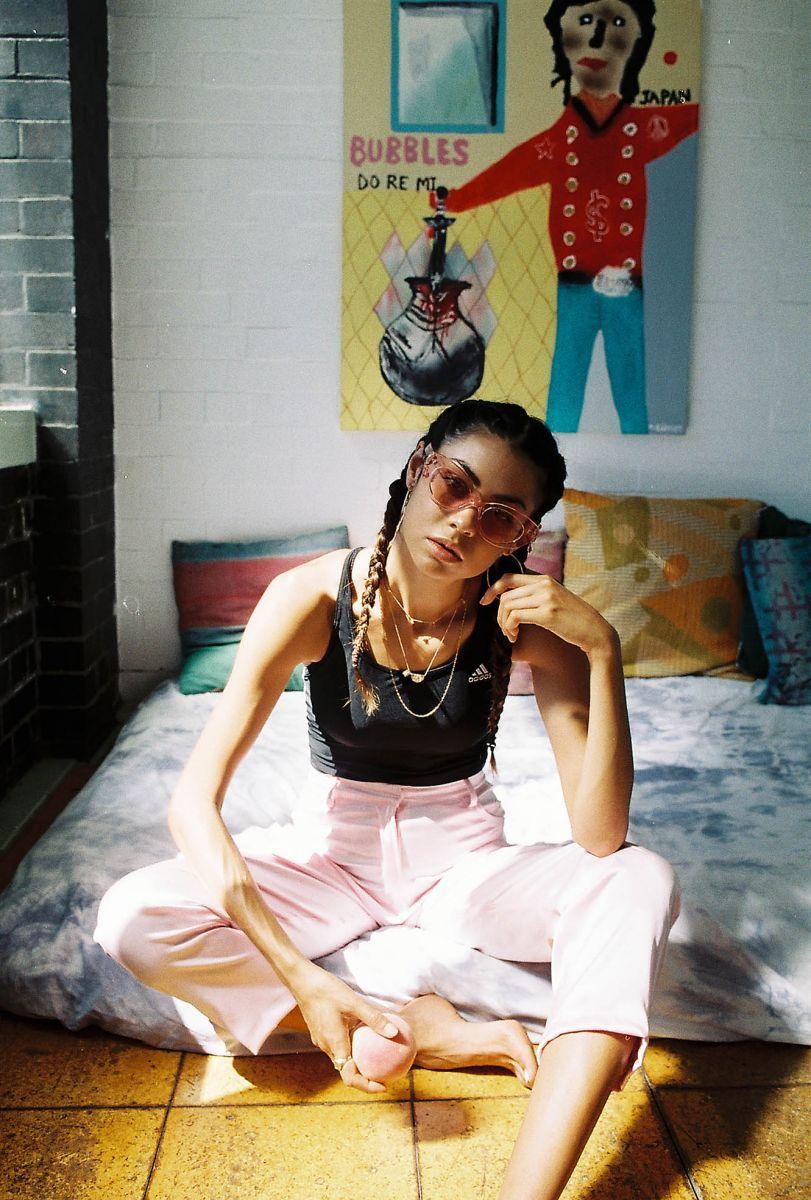Balistarz-model-Eileen-Cassidy-oldschool-fancy-deisgn