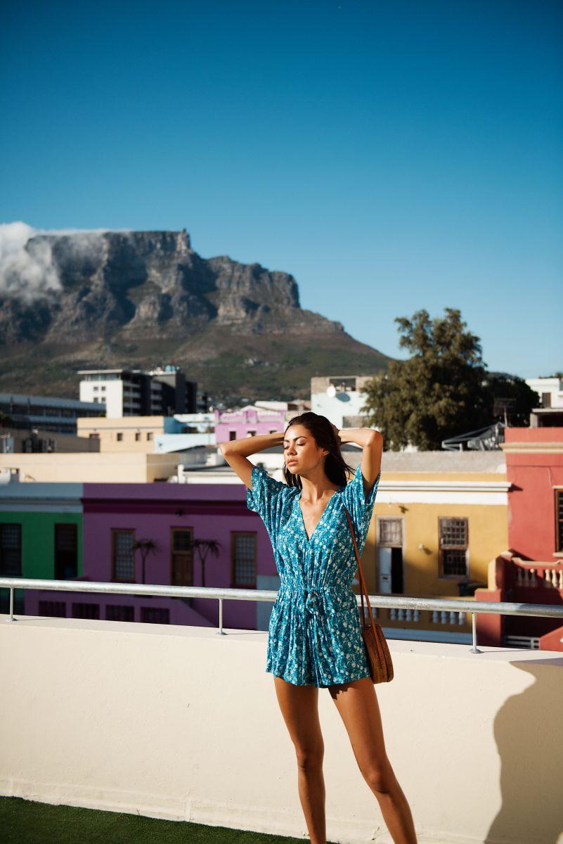 Balistarz-model-Eileen-Cassidy-Beautiful-houses-and-blue-dress
