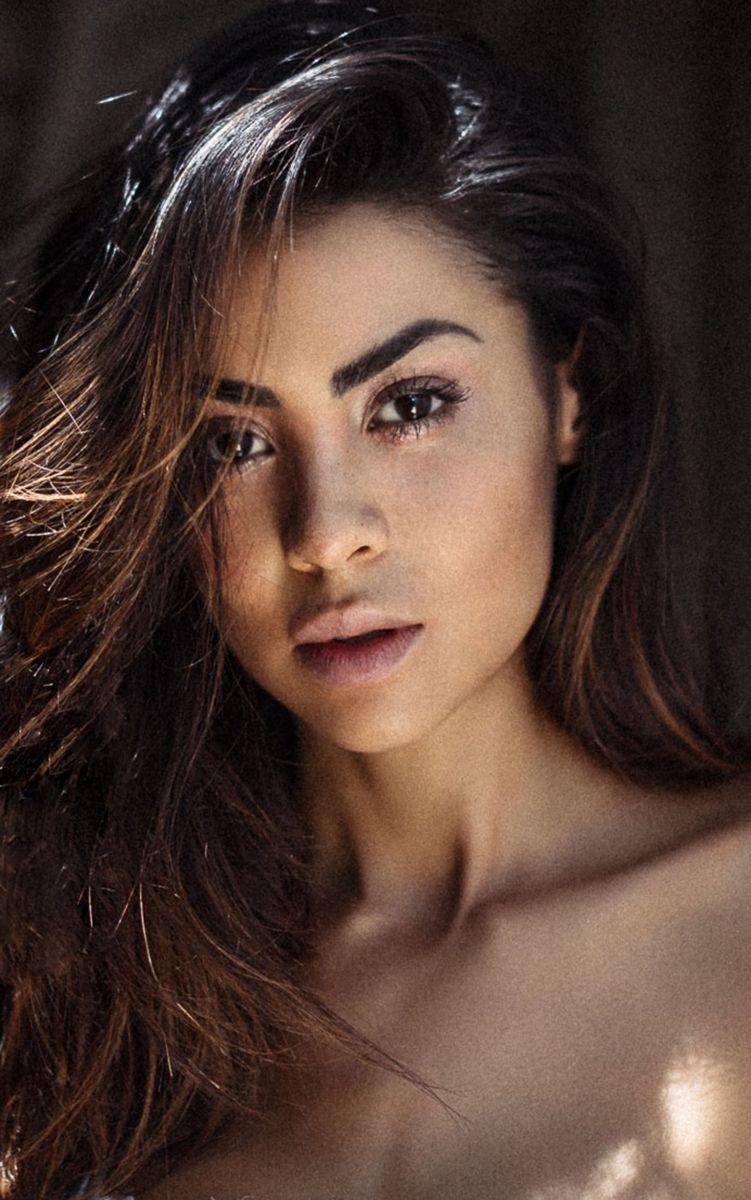Balistarz-model-Eileen-Cassidy-close-up-head-shot-profile