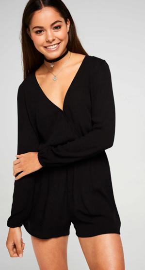 Balistarz-model-Elissa-Burns-indoor-studio-portrait-happy-in-her-black-casual-dress