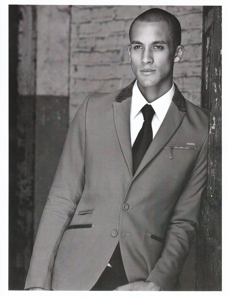 Balistarz-model-Emile-Steenveld-black-and-white-image-wearing-formal-suit