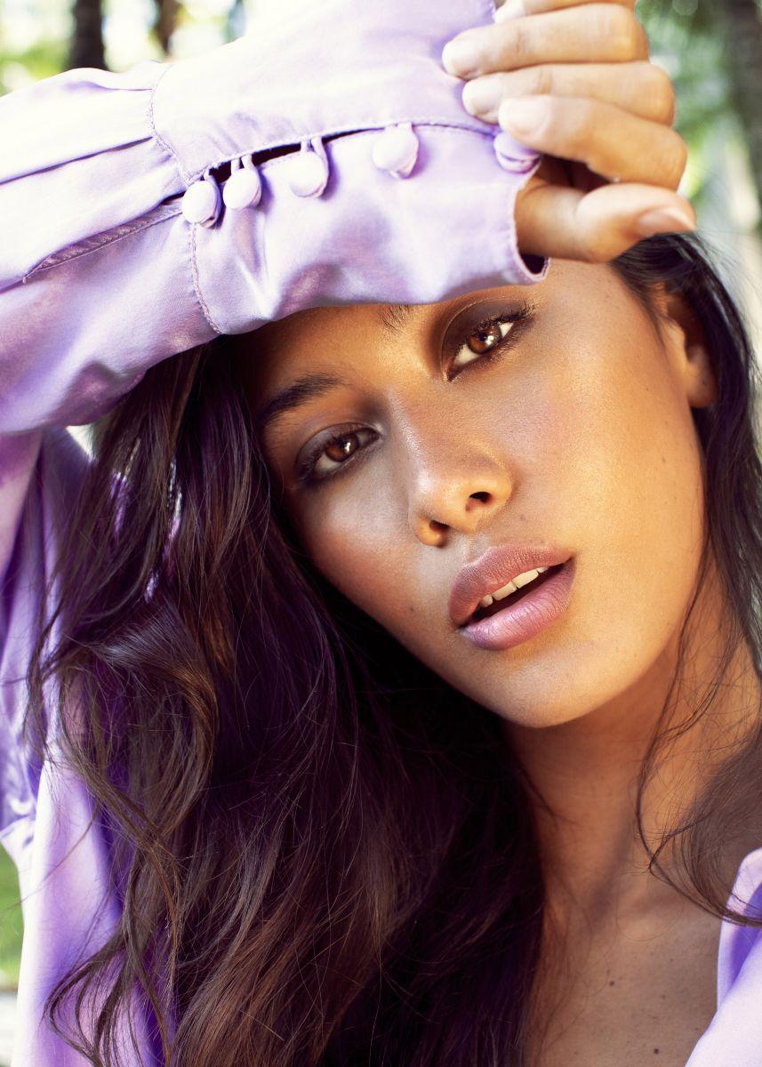 Balistarz-model-Eva-Kandra-headshot-portrait-shoot-in-a-light-purple-fancy-top