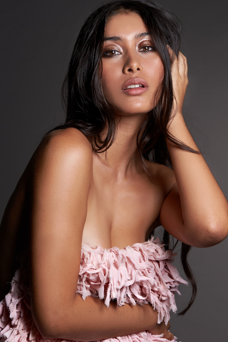 Balistarz-model-eva-kandra-beauty-studio-portrait