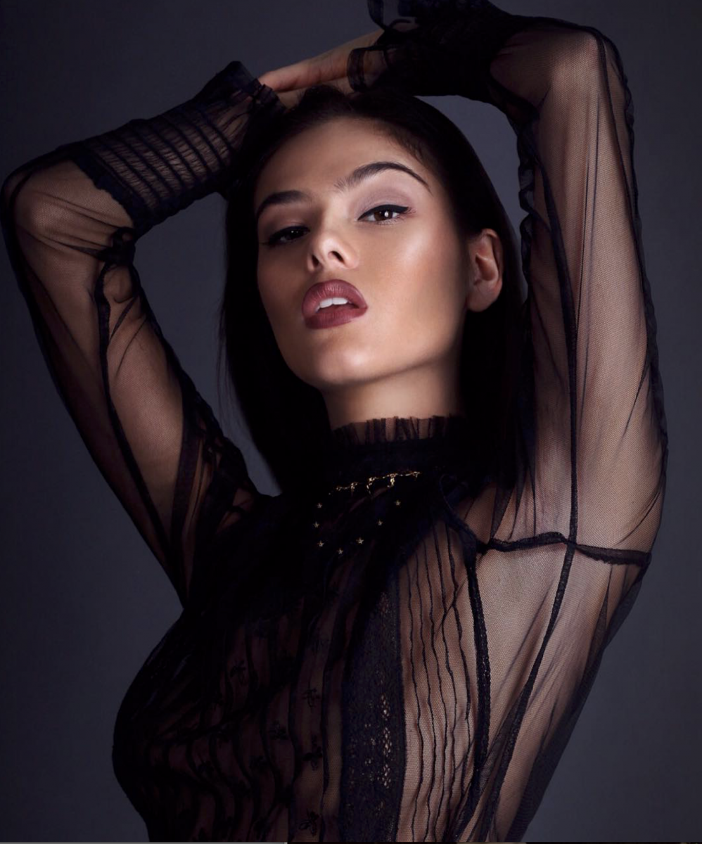 Balistarz-model-Fifi-Anicah-portrit-shoot-in-black-long-sleeve-with-a-necklace