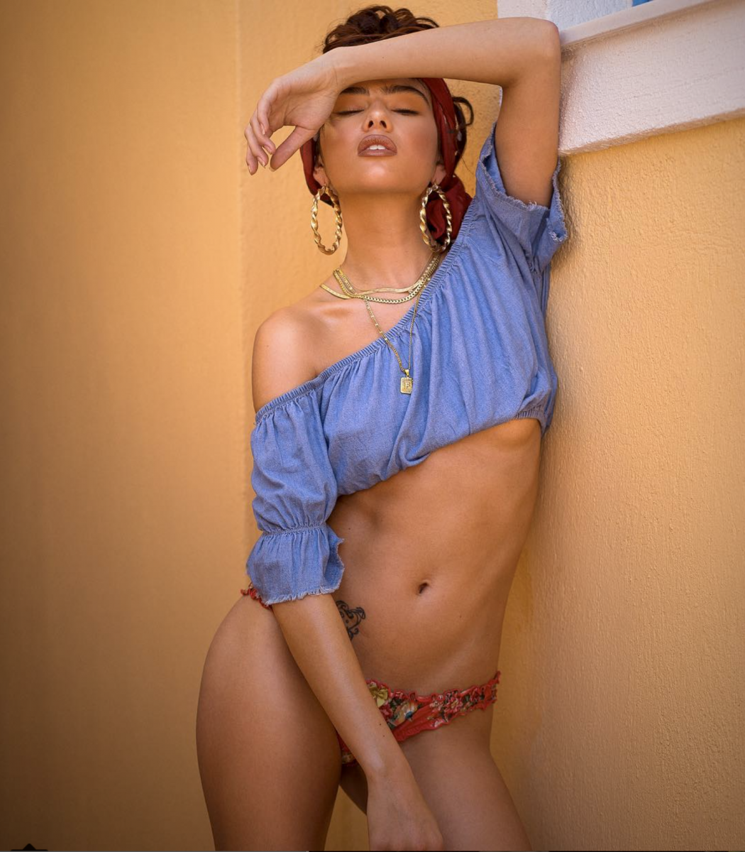Balistarz-model-Fifi-Anicah-portrait-shoot-in-blue-top-with-a-red-bandana-and-gold-accessories