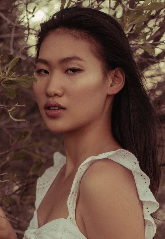 Balistarz-model-Grace-Liu-portrait-profile