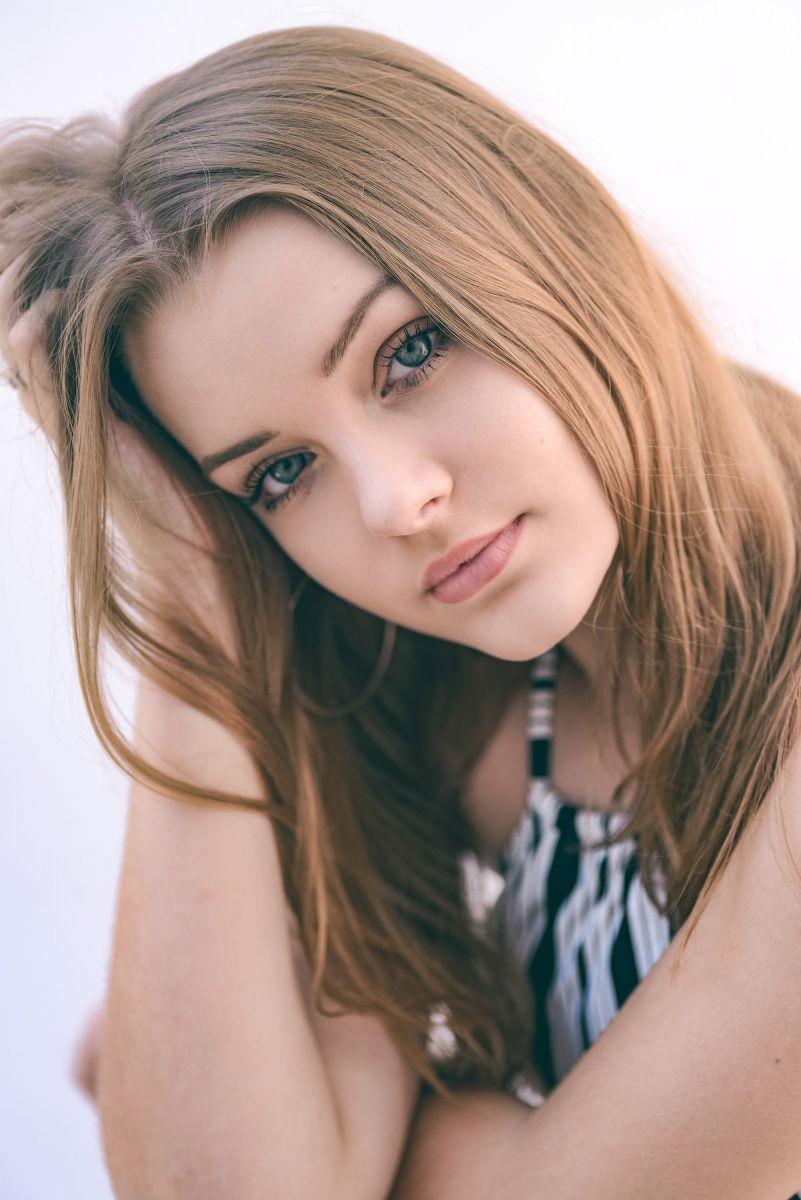 Balistarz-model-India-Rose-portrait-casual-shoot