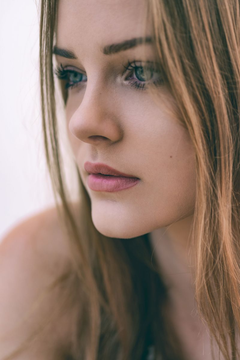 Balistarz-model-India-Rose-side-headshot-portrait-shoot