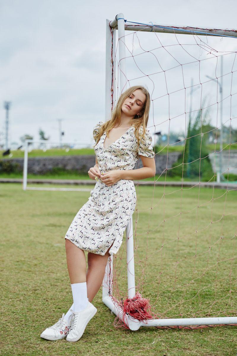Balistarz-model-India-Rose-young-talented-bali-model-casual-shot