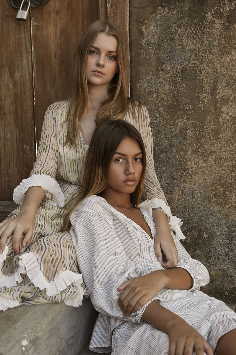 Balistarz-model-India-Rose-with-lente-hugen-fashion-portrait