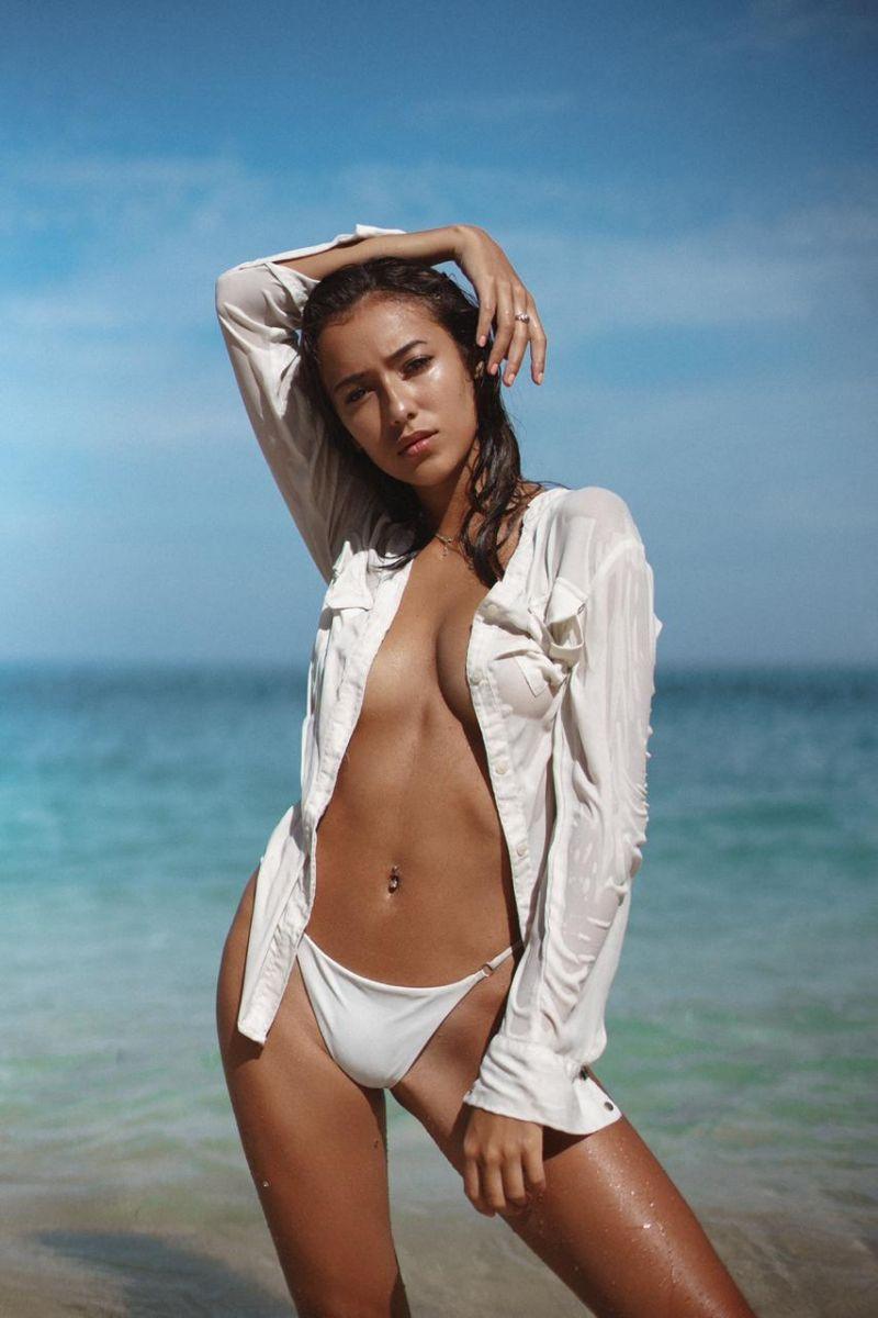 Balistarz-model-Jasmine-Giles-beach-shoot-with-a-white-shirt-and-a-bikini-on-the-beach