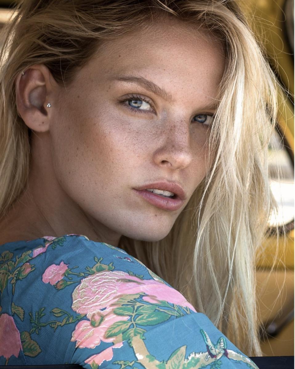 Balistarz-model-Jitte-Cosemans-headshot-portrait-shoot