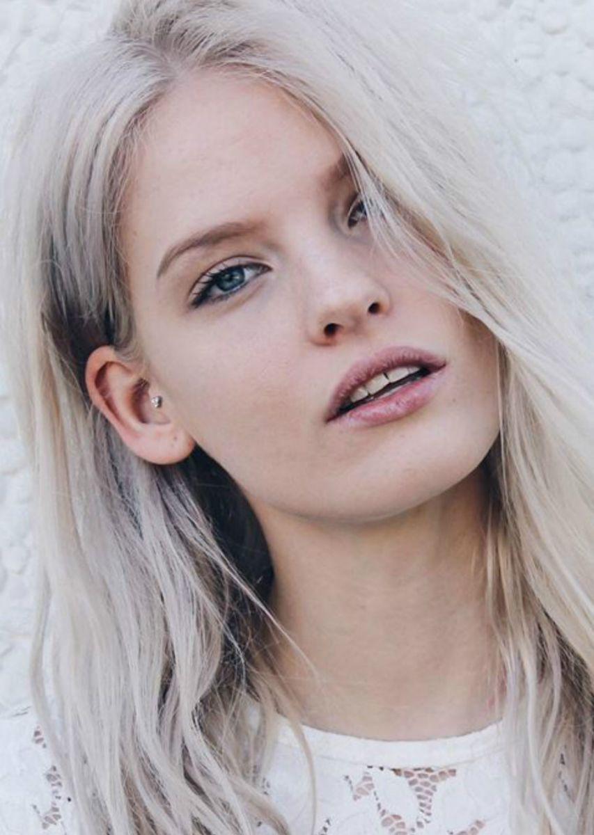 Balistarz-model-Jitte-Cosemans-tilted-headshot-portrait-shoot