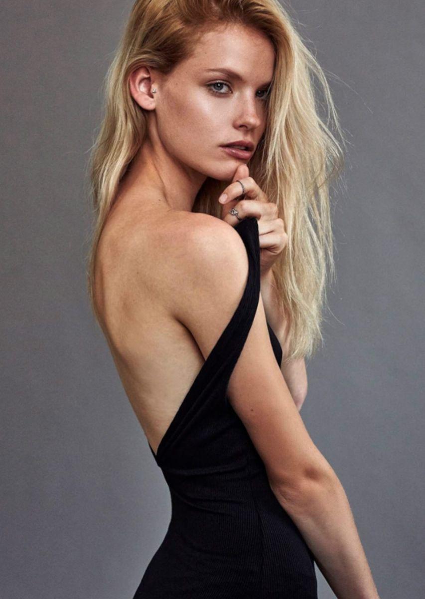 Balistarz-model-Jitte-Cosemans-portrait-shoot-in-a-black-dress