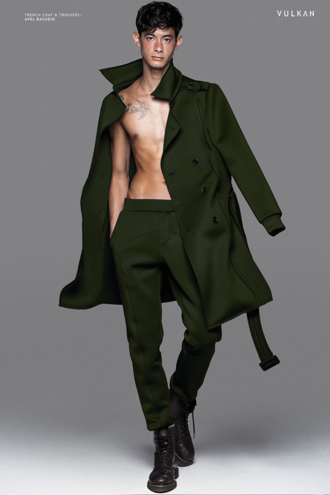 Balistarz-model-jonathon-lee-fashion-walk-wearing-green-coat