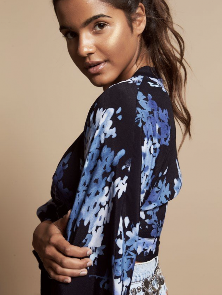 Balistarz-model-Julia-Muniz-portrait-side-shoot-in-a-black-top-with-blue-flowers-as-a-design