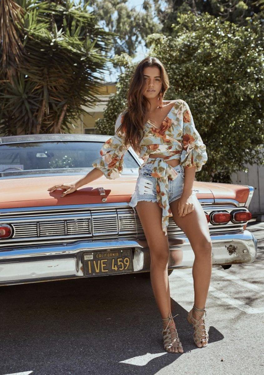 Balistarz-model-Julia-Muniz-portrait-shoot-california-brown-car