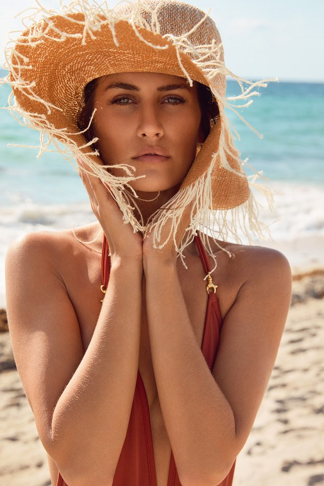Balistarz-model-Julie-Rose-portrait-beach-shoot-with-straw-hat-and-a-swimsuit